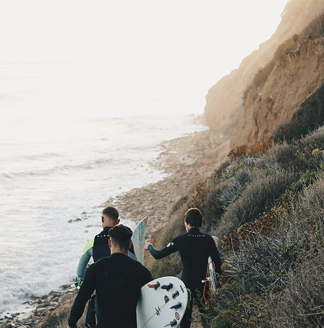 Riding the Wave: The Benefits of Surf Therapy for Those in Recovery from Addiction